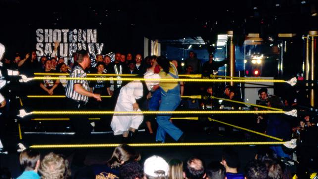 5 Crazy Wrestling Event Locations (Video)